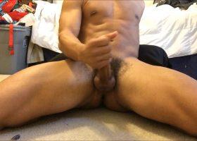 Young Amateur Hayden Fucks Sex Toy