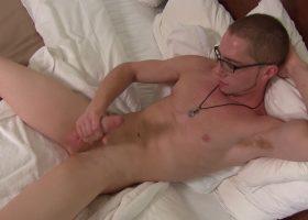 Buff Boy Kemper Beats His Big Meat