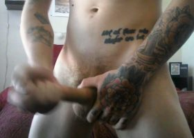 Amateur Inked Robbie Beats Off On Cam