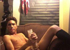 Twink Amateur Lucas Fleshjack Stroking